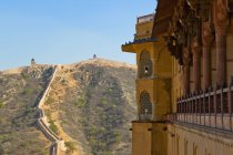 Fort d'ambre et mur antique, Jaipur, Rajasthan, Inde — Photo de stock