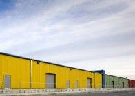 Красочные склады в сельской местности Сиэтла, штат Вашингтон — стоковое фото