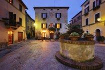 Пьяцца ді Spagna на сутінки в Римі, Італія, Європа — стокове фото