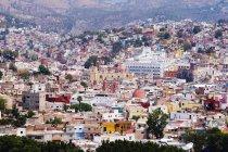 Красочные дома колониального города Гуанахуато, Мексика — стоковое фото