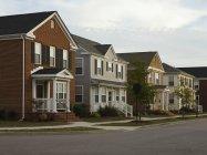 Neighborhood houses on street corner, Norfolk, Virginia, USA — Stock Photo