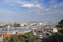 Fiume del Danubio che attraversa la città di Budapest, Ungheria, Europa — Foto stock