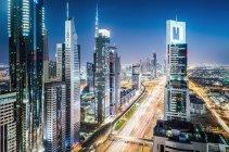 Vista aérea del paisaje urbano de Dubai, Emiratos Árabes Unidos - foto de stock