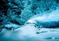 Gletscherdecke der blauen Eishöhle — Stockfoto