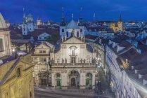 Edificios históricos en Clementinum, Praga, Bohemia Central, República Checa - foto de stock