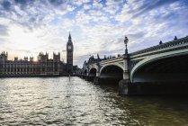 Tramonto sulle Camere del Parlamento, Londra, Inghilterra, Regno Unito — Foto stock