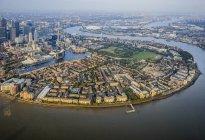 Міський краєвид Лондона і ріки, Англія — стокове фото
