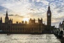 Sonnenuntergang über dem Parlament, London, England, Vereinigtes Königreich — Stockfoto