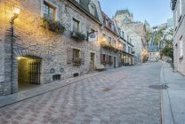 Chateau Frontenac seen from narrow old street in Quebec city, Canada — Stock Photo