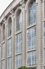 Office building windows with arches, full frame — Stock Photo