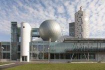 Bâtiment moderne du centre scientifique d'Ahhaa à Tartu, Estonie — Photo de stock