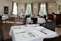 Sala da pranzo di lusso di Vihula Manor, Vihula, Estonia — Foto stock