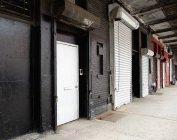 Reihe von Laderampen, New York City, New York, Vereinigte Staaten — Stockfoto