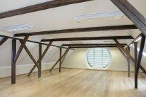 Salle de conférence spacieuse de Palmse Manor, Palmse, Estonie — Photo de stock