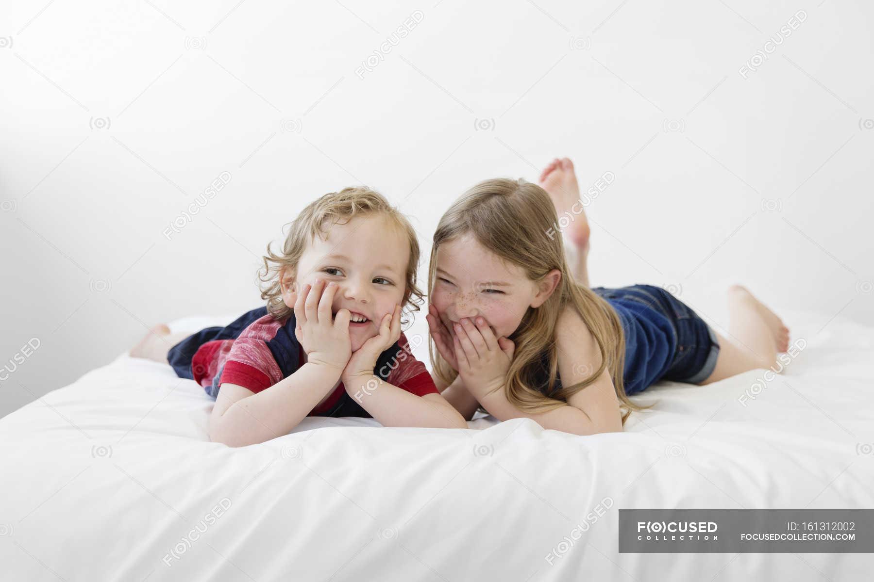 Русское брат кончил в сестру, Брат зашёл к сестре))) смотреть онлайн видео брат 9 фотография