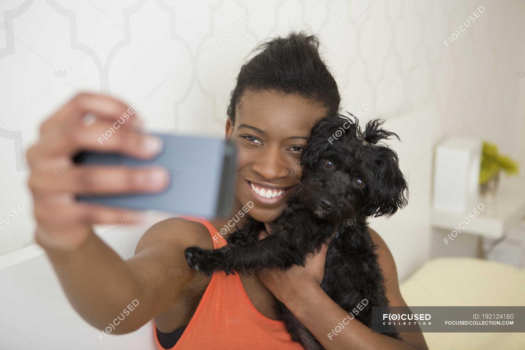 kleinen schwarzen teen girl selfie