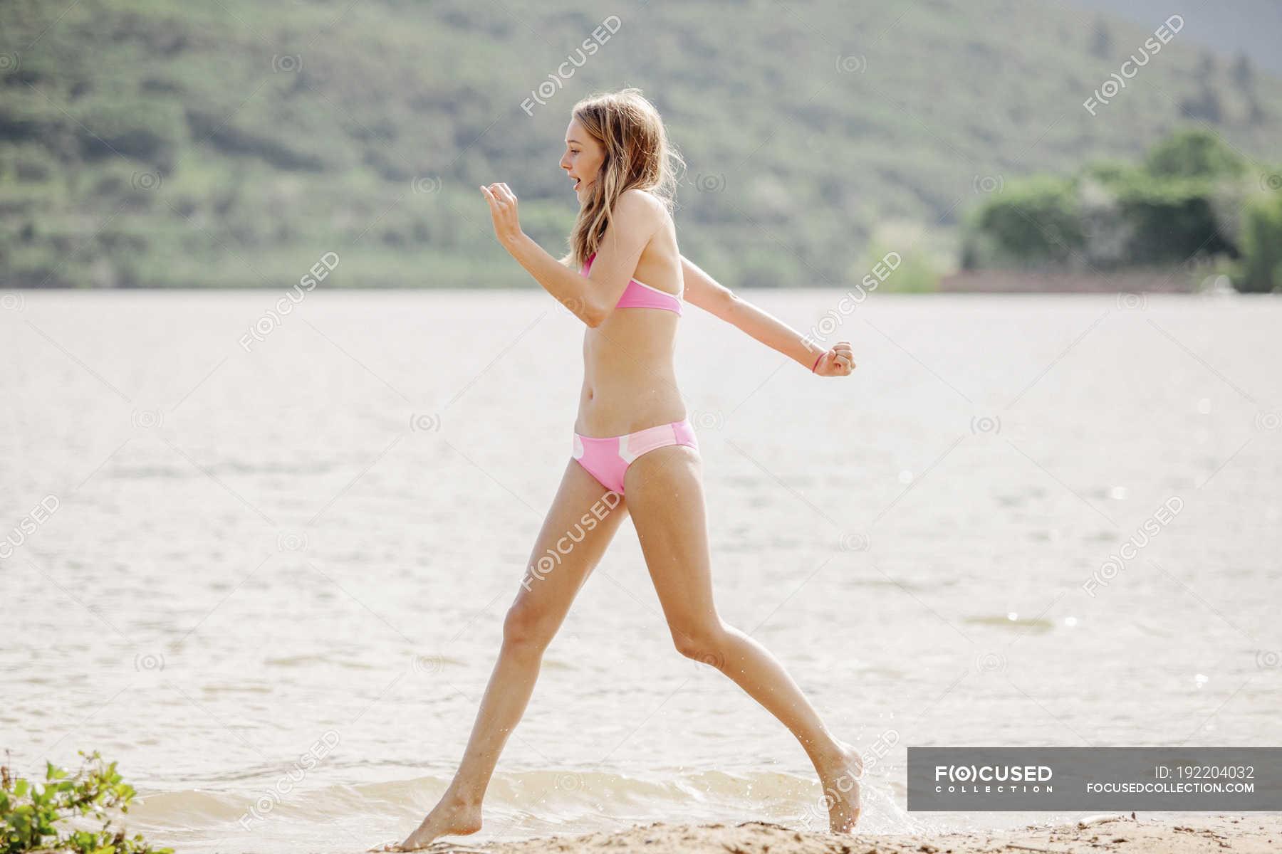Bikini teenager