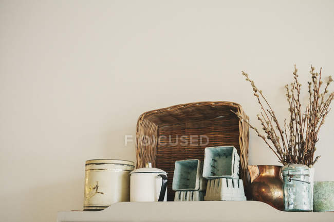 Group of enamel and pottery jugs and mugs — Stock Photo