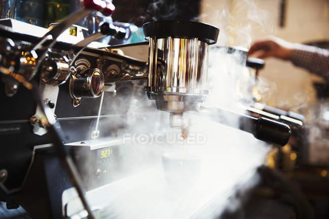 Кава-машиною приготування кави — стокове фото