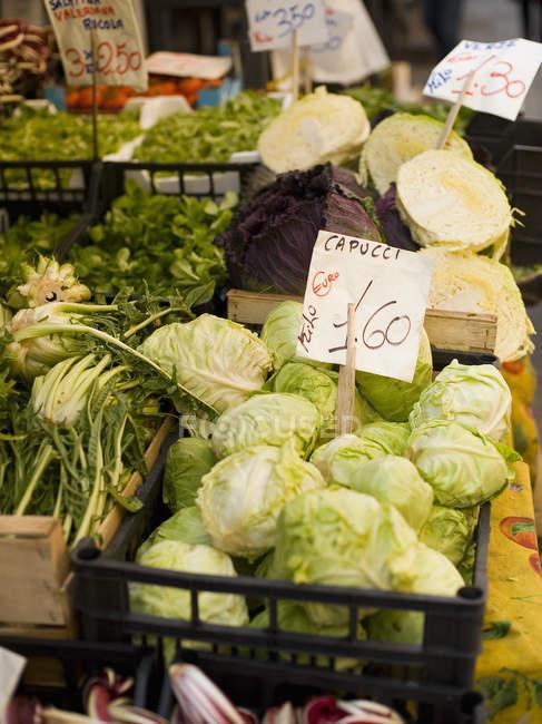 Свіжі овочі на ринку Ріальто харчування — стокове фото