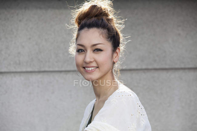Giapponese sorridente donna — Foto stock