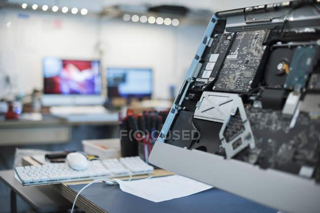 Магазин ремонту комп'ютера — стокове фото