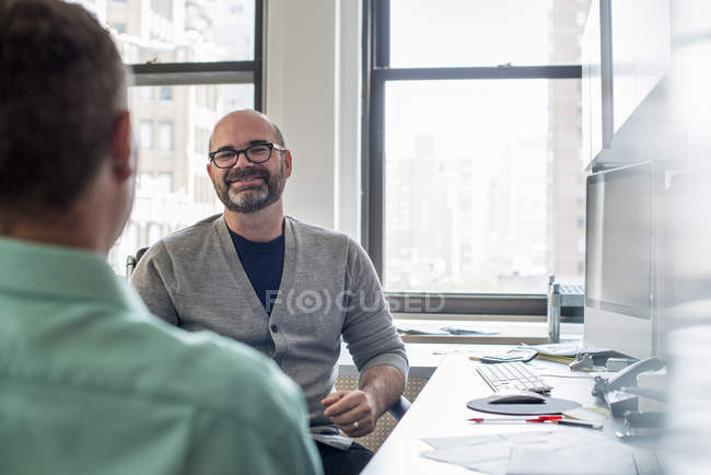 Two business men talking — Stock Photo