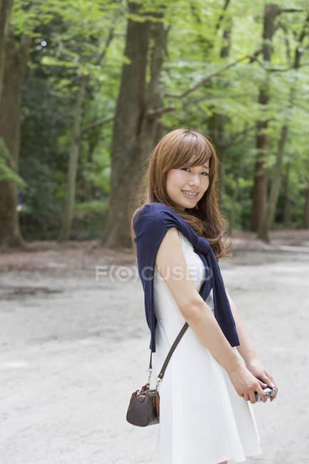 Жінка в Кіото парк позують — стокове фото