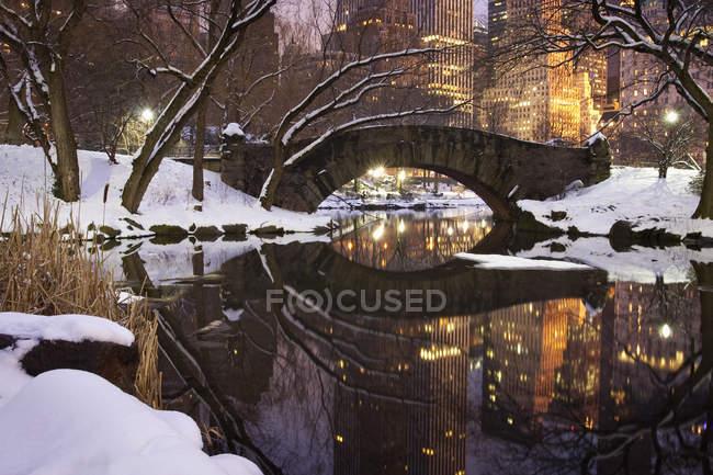 Puente de Gapstow en Central Park - foto de stock