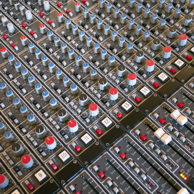 Soundboard in studio di registrazione — Foto stock