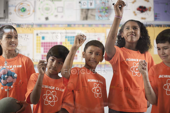 Girls and boys in Science Club — Stock Photo