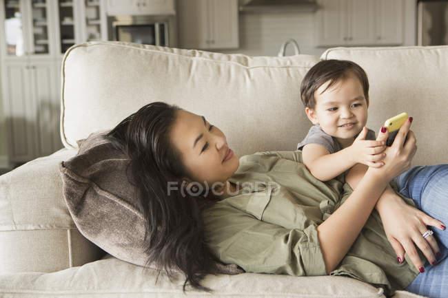 Жінка з її молодий син — Stock Photo