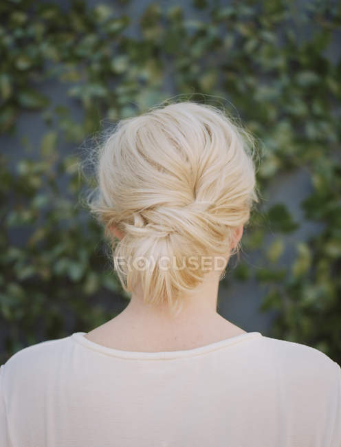 Back view of blonde woman — Stock Photo