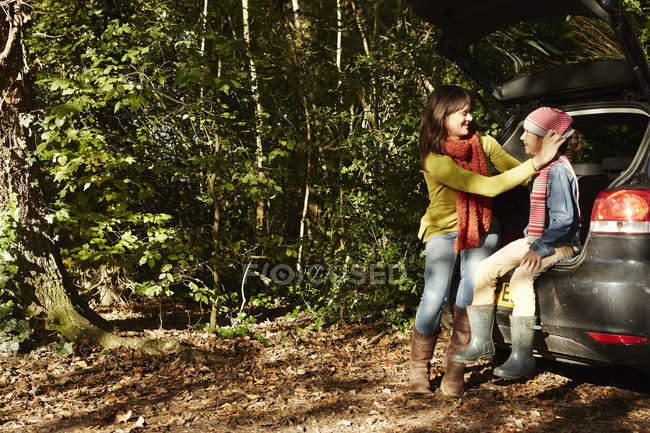 Young girl and an adult, mother — Stock Photo
