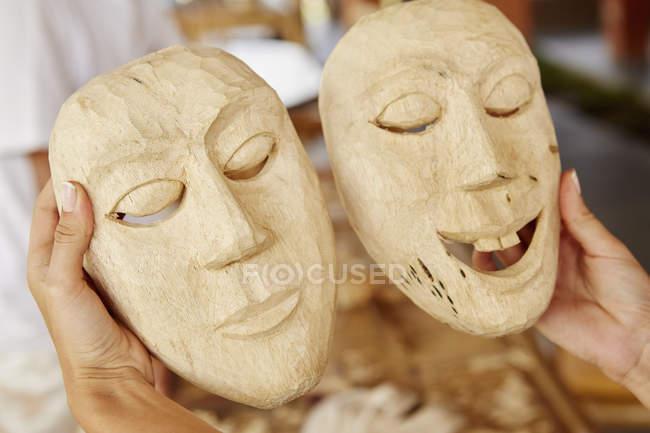 Traditionelle Holzmasken — Stockfoto
