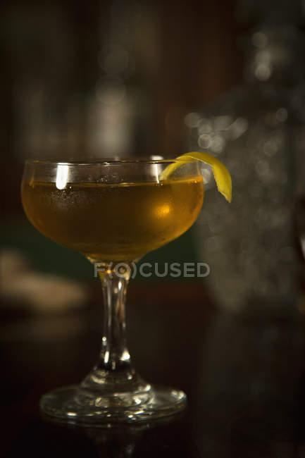 Коктейль склянку з улюбленим коктейлем — стокове фото