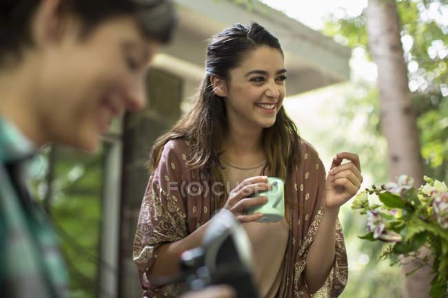 Woman holding a mug — Stock Photo