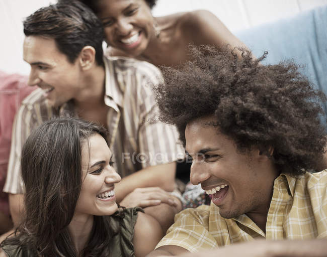 Friends hanging out. — Stock Photo