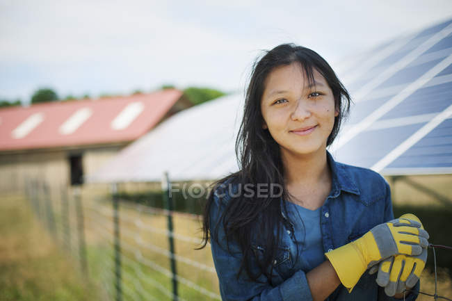 Woman on a traditional farm in the countryside — Stock Photo