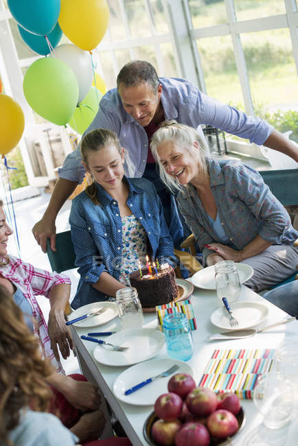 Birthday party in a farmhouse kitchen. — Stock Photo