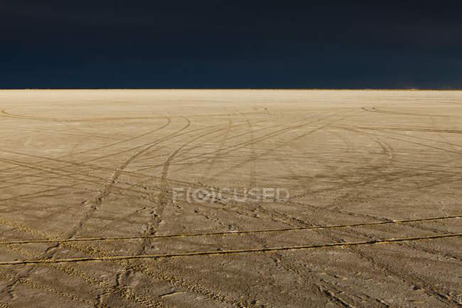 Marcas de pneu na Bonneville Salt Flats — Fotografia de Stock