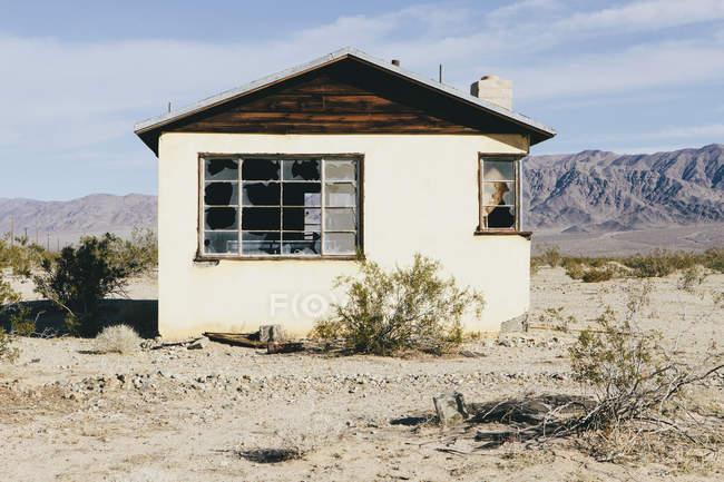 Gebäude in der Mojave-Wüste aufgegeben — Stockfoto