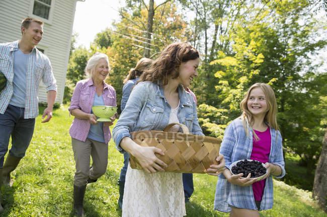 Family summer gathering at a farm — Stock Photo