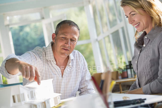 Couple designing house — Stock Photo