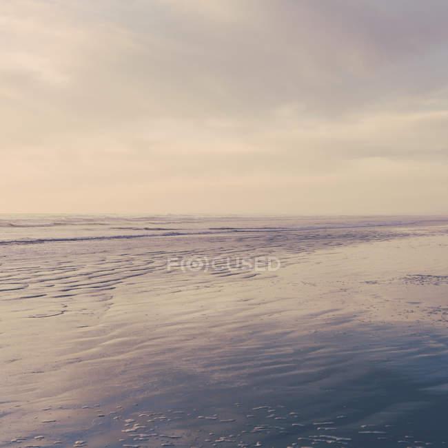 Брижі на поверхні моря. — стокове фото