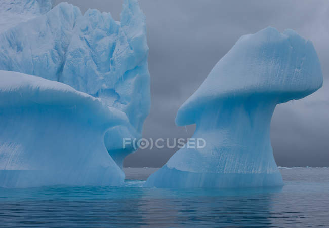 Icebergs with eroding and changing form — Stock Photo