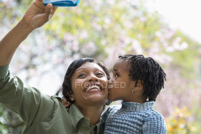Mother and son taking selfy — Stock Photo