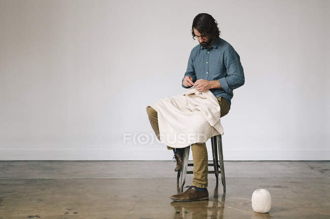 Male artist working — Stock Photo
