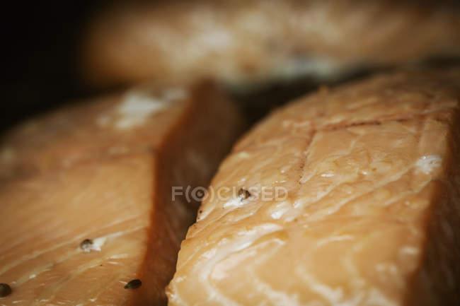 Filete de pescado ahumado. - foto de stock