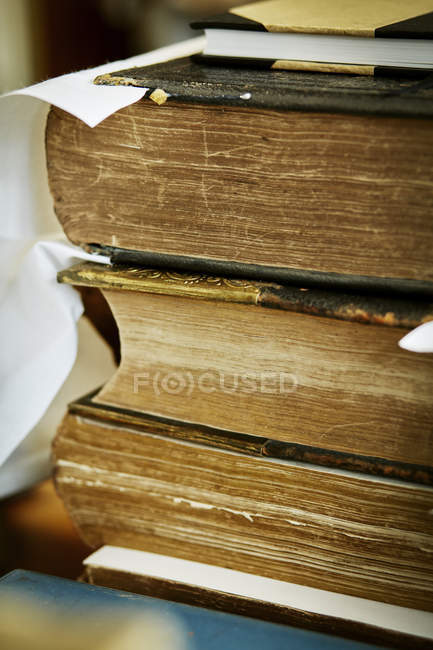 Stapel alter Bücher — Stockfoto